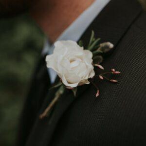 boutonniere flower